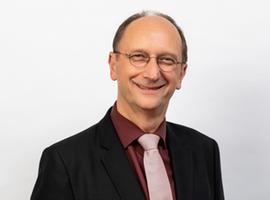 Dr. Klaus Wiener